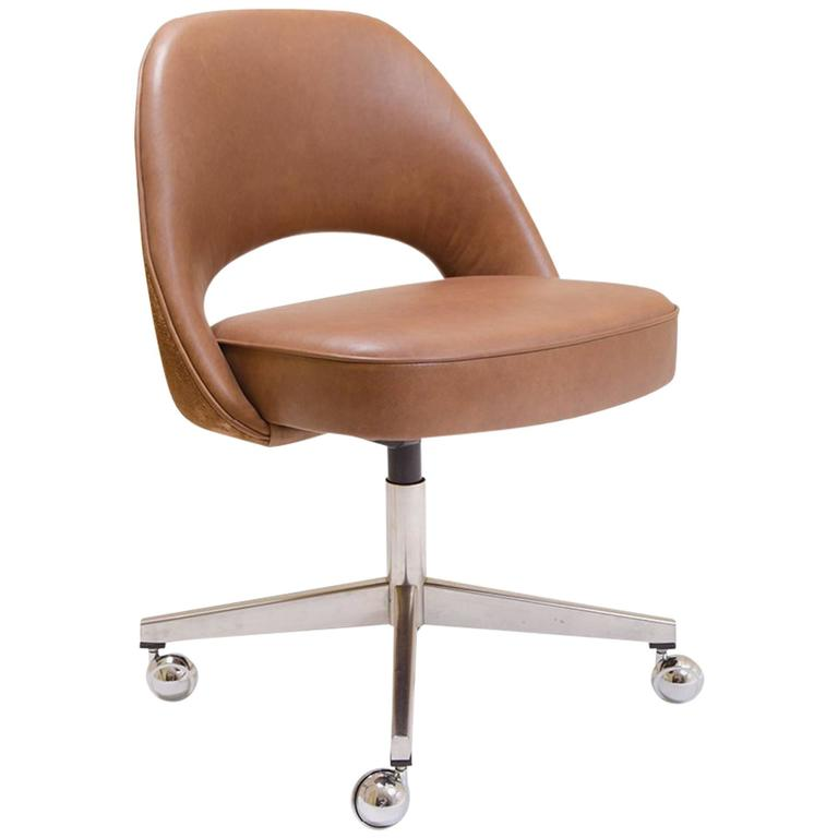 Saarinen Executive Armless Chair In Saddle Leather And Suede Swivel Base For