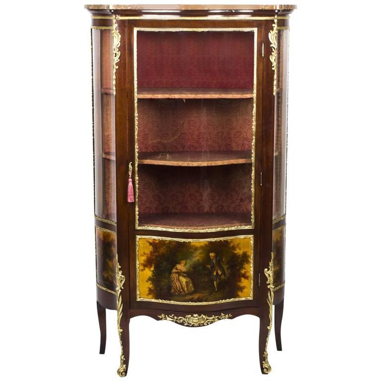 19th Century French Vernis Martin Mahogany Display Cabinet - 19th Century Pair Of Circular Mahogany Display Cabinets For Sale At