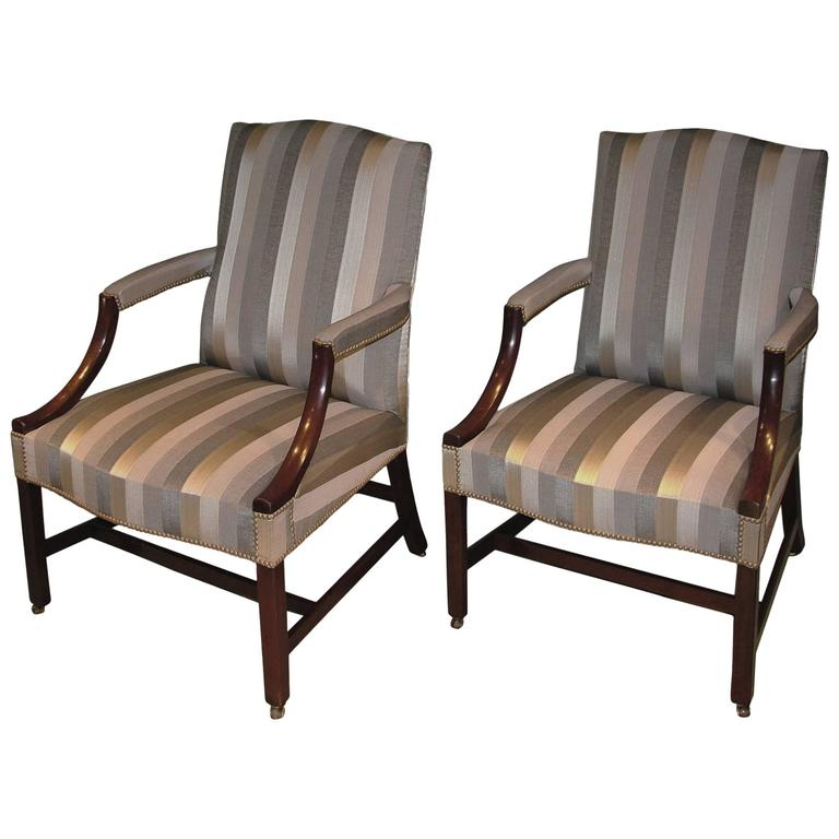 Superbe 18th Century Mahogany Gainsborough Armchairs Upholstered In Grey Striped  Fabric For Sale