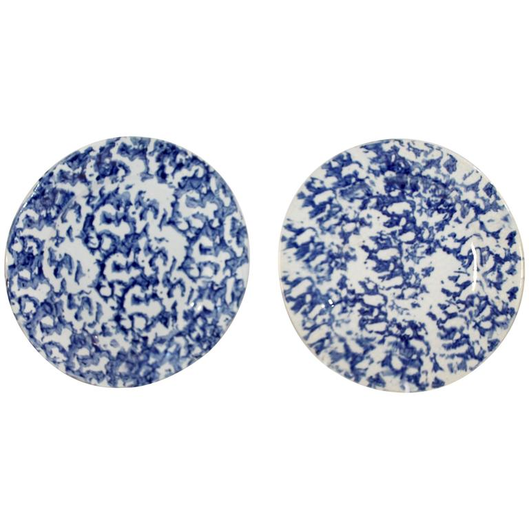 Pair of Early 19th Century Spongeware Pottery Plates For Sale