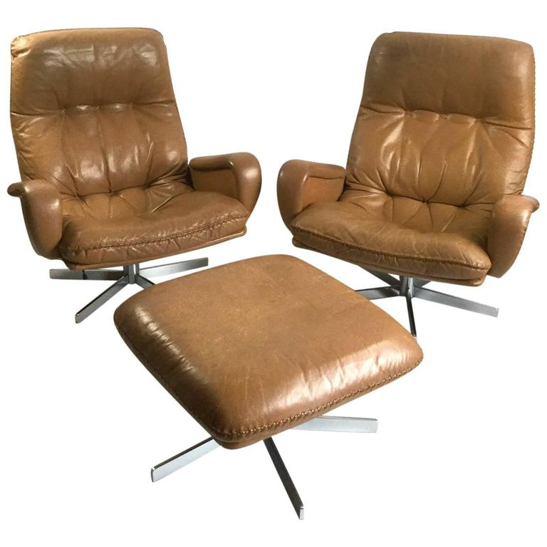 Pair of De Sede S231 James Bond Armchairs with Ottoman ...