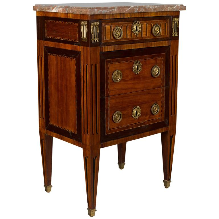 18th century louis xvi petite commode for sale at 1stdibs. Black Bedroom Furniture Sets. Home Design Ideas