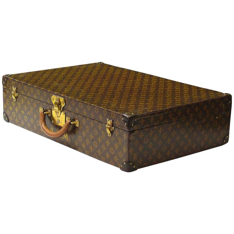 louis vuitton monogram suitcase for sale at 1stdibs. Black Bedroom Furniture Sets. Home Design Ideas