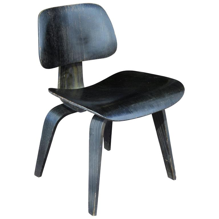 Early Eames DCW Chair Black Aniline For Sale  sc 1 st  1stDibs & Early Eames DCW Chair Black Aniline at 1stdibs