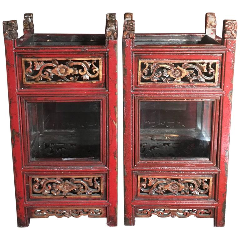 Pair of Vintage Chinese Carved Wooden Glazed Candle Lanterns, circa 1950 1