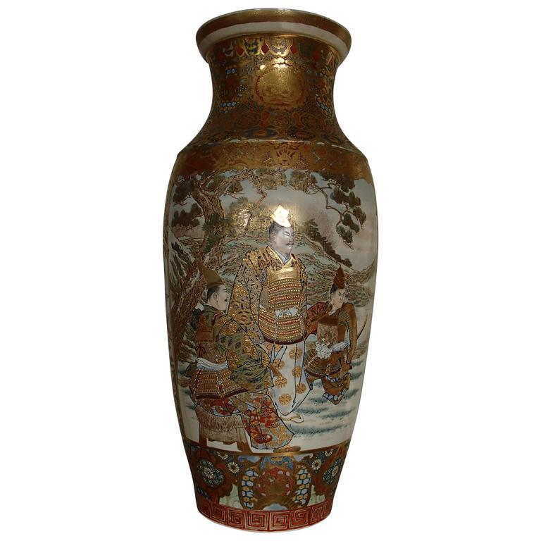 1900 Japanese Satsuma Porcelain Huge Vase With Samurai Scenes For