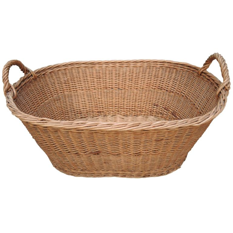 vintage french provincial wicker woven laundry basket at 1stdibs. Black Bedroom Furniture Sets. Home Design Ideas