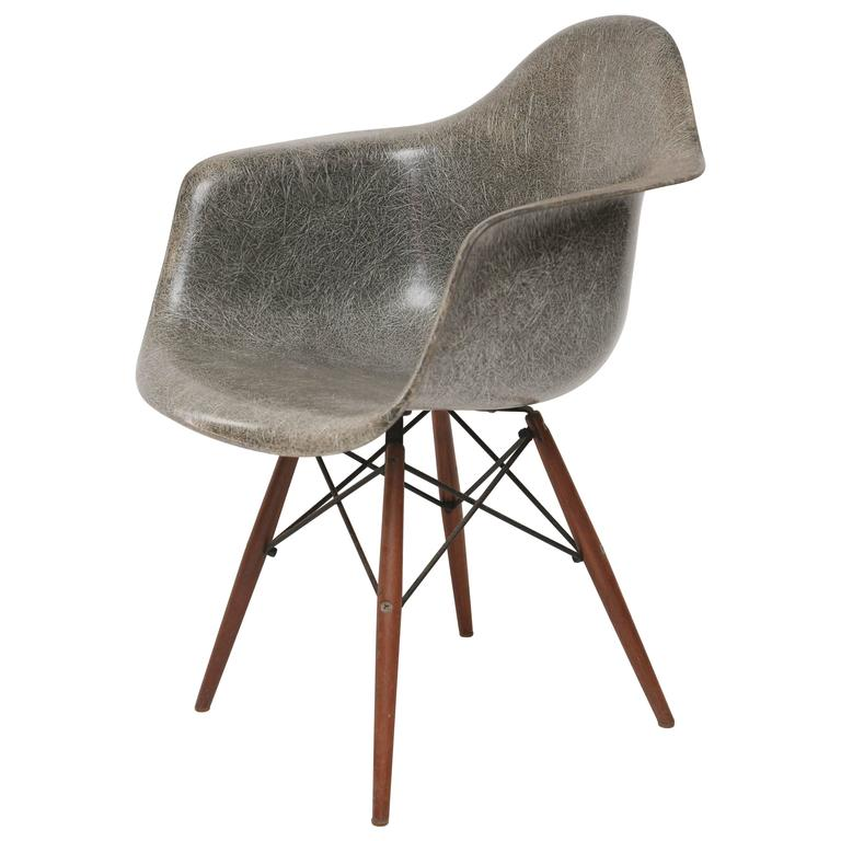 early zenith eames daw chair at 1stdibs. Black Bedroom Furniture Sets. Home Design Ideas