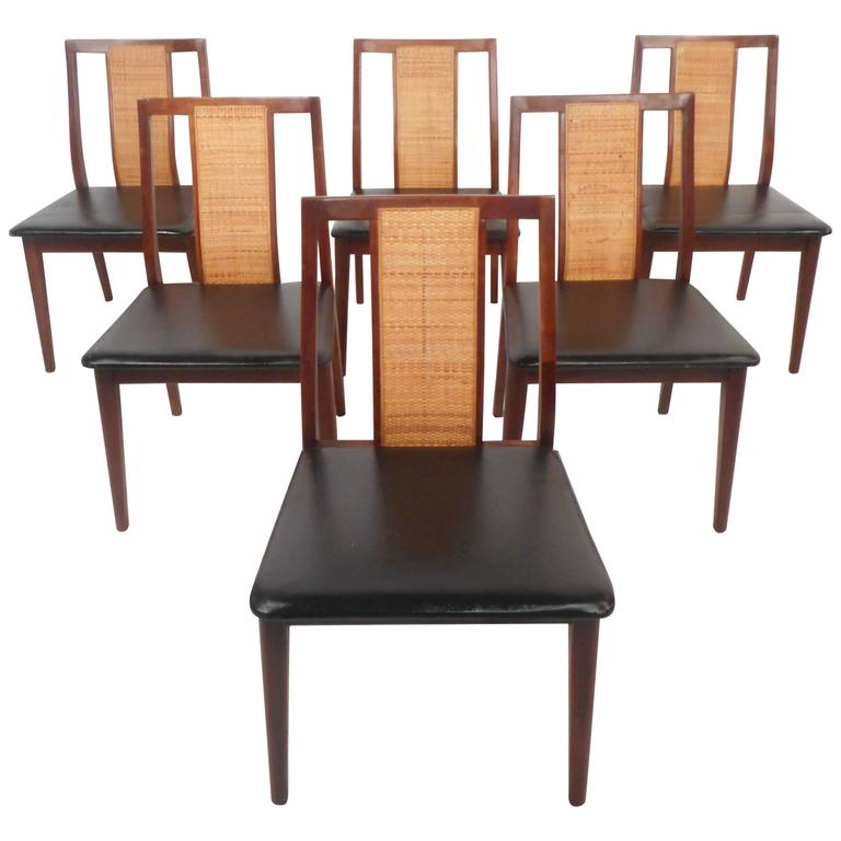 Set of Six Mid-Century Modern Dining Chairs in the Style of Edward Wormley For Sale