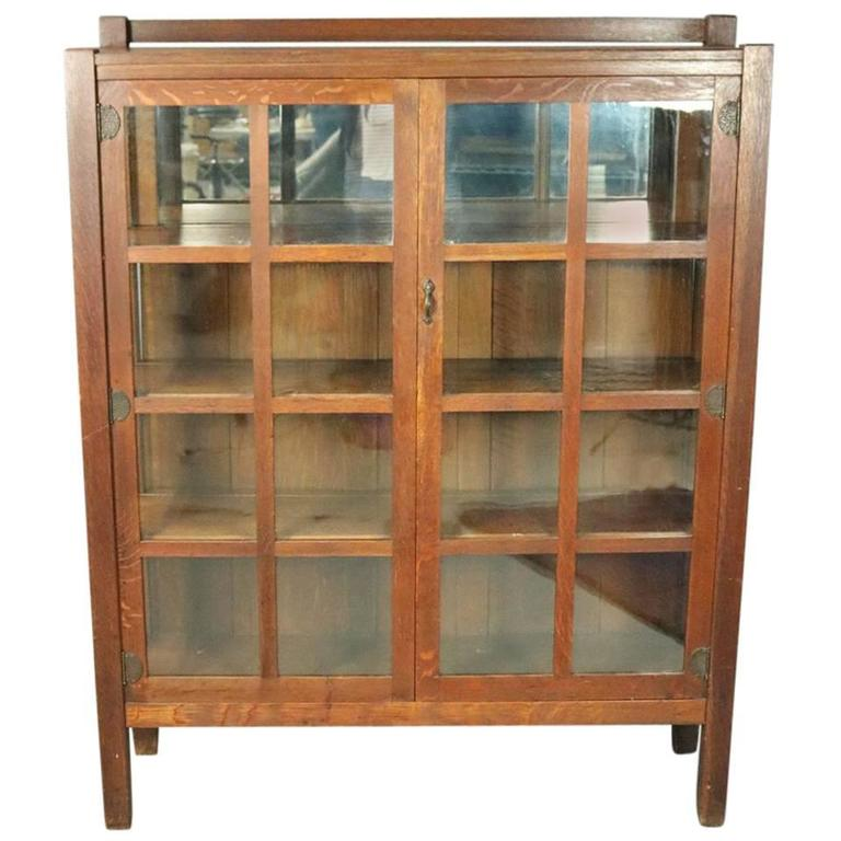 Antique Stickley Brothers Arts & Crafts Mission Oak China Cabinet, circa  1910 For Sale - Antique Stickley Brothers Arts And Crafts Mission Oak China Cabinet