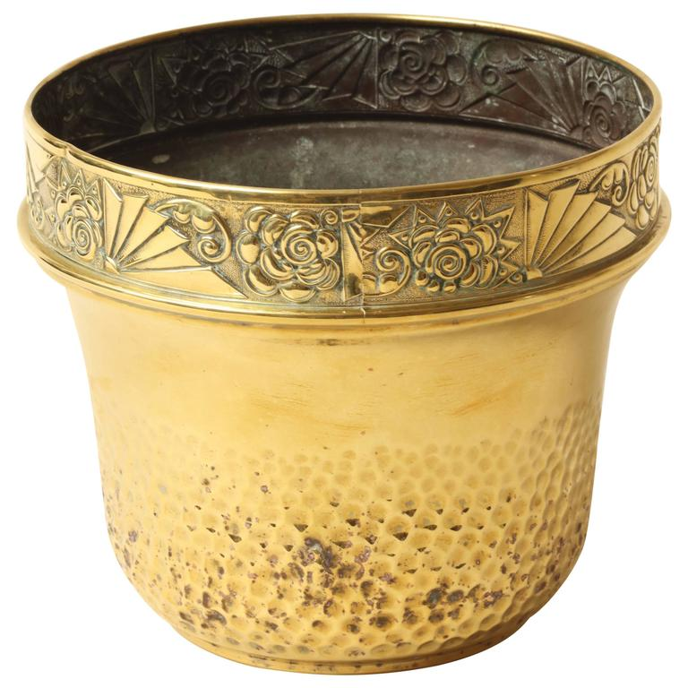 french art deco hand hammered brass planter or jardiniere for sale at 1stdibs. Black Bedroom Furniture Sets. Home Design Ideas