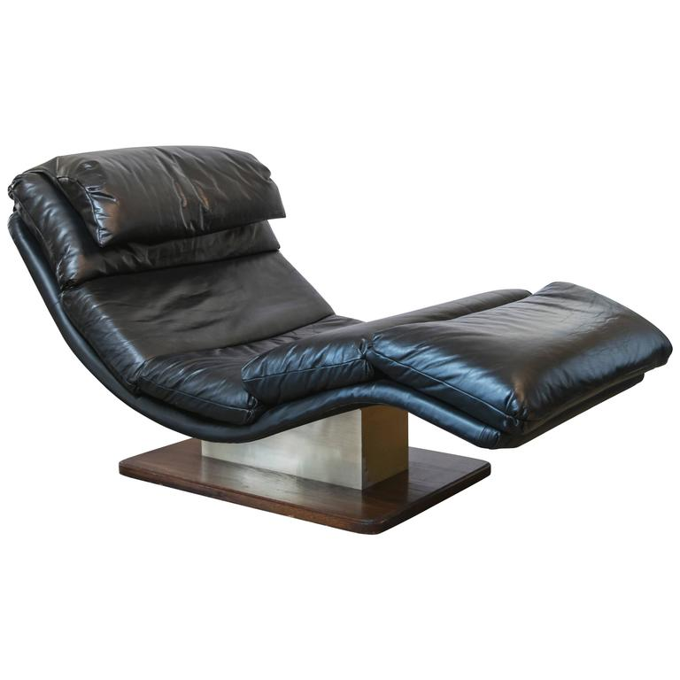 Black leather chaise longue in the style of milo baughman for Black leather chaise longue