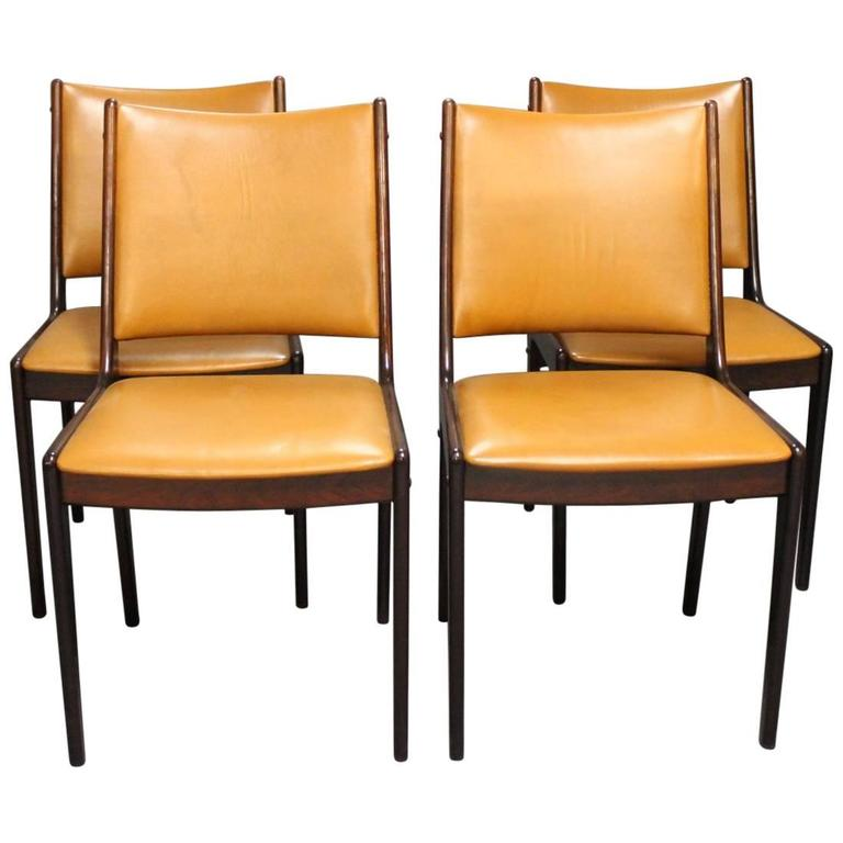Set Of Four Dining Room Chairs In Polished Mahogany And
