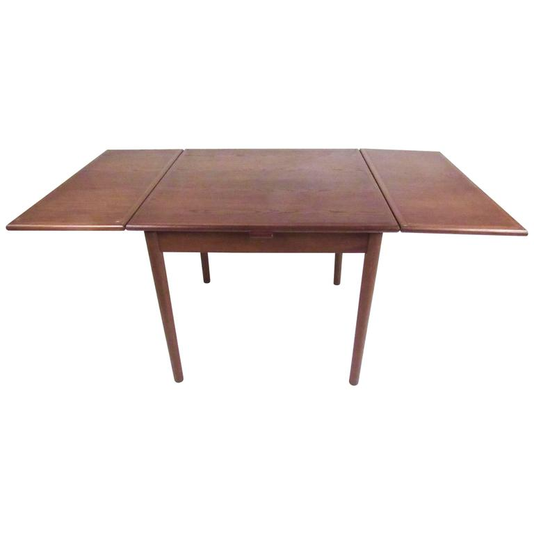 Scandinavian Modern Draw Leaf Dining Table