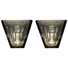 Pair of French Art Deco Sconces by Verrerie des Hanots