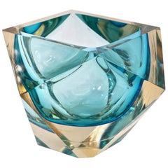 Seguso 1950s Vintage Italian Aqua Blue Diamond Cut Modern Bowl/Centerpiece