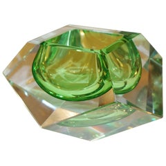 Seguso 1950s Vintage Italian Lime Green Diamond Cut Modern Bowl / Centrepiece
