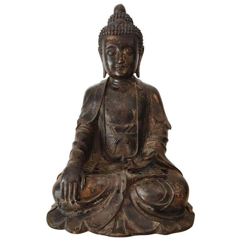 Large and Fine Antique Bronze Buddha For Sale