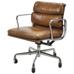 Eames Aluminium Group Soft Pad Management Chair by Herman Miller