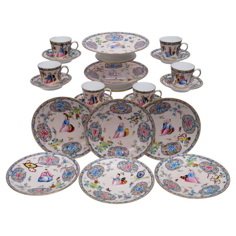 Old Paris Hand-Painted Porcelain Chinoiserie Dessertservice, France