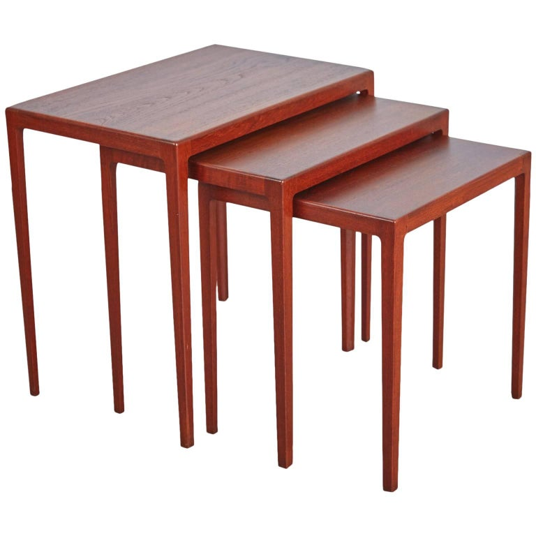 Refinished Eske Kristensen Teak Nesting Tables by Ludwig Pontoppidan, circa 1960 For Sale