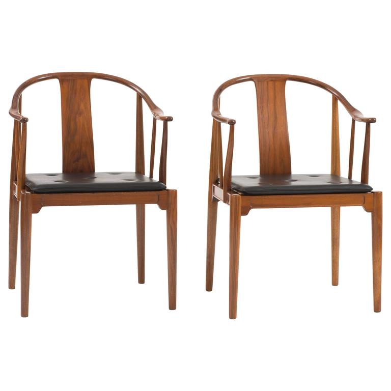 Pair of hans j wegner 39 chinese chairs 39 in nutwood for for Asian chairs for sale