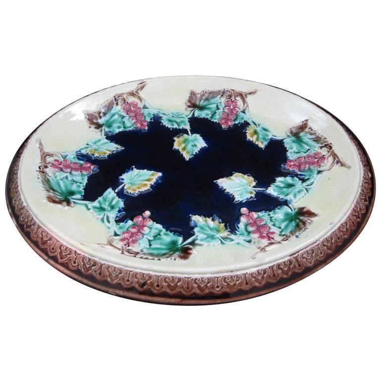 19th Century English Majolica Grapevine Motif Cheese Board or Bread Tray