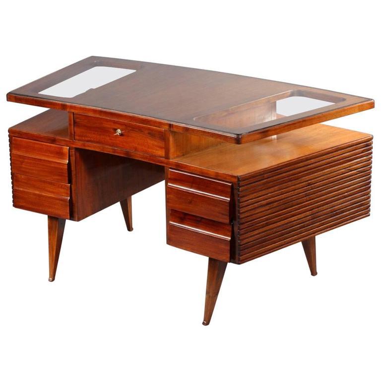 Rare Oval Freestanding Desk Designed Vittorio Dassi Italy 1950 For