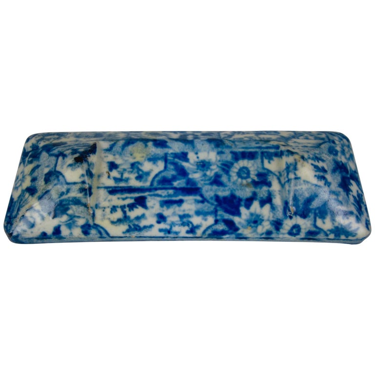 Staffordshire Pearlware Blue and White Transferware Knife Rest, circa 1820 For Sale