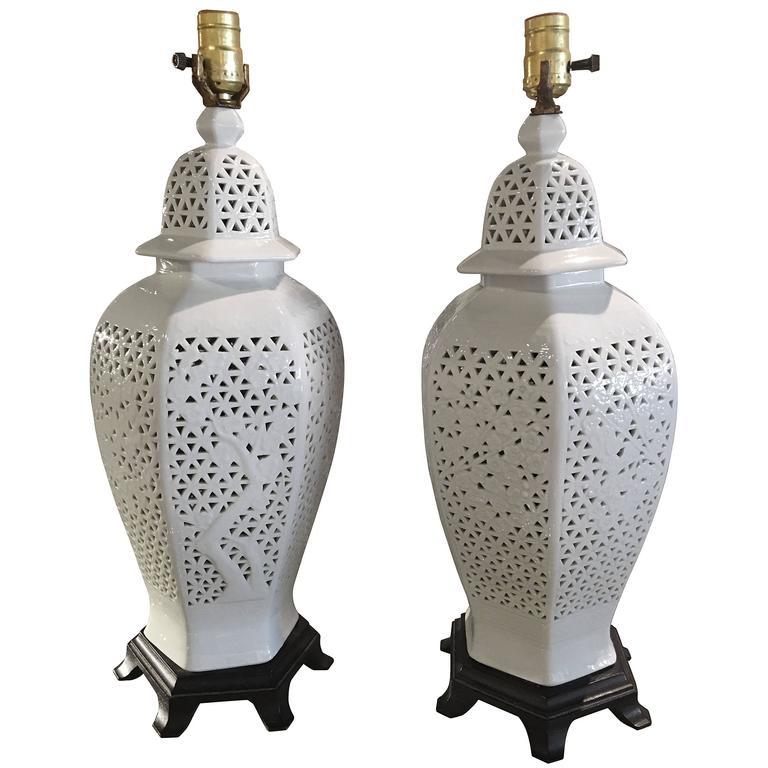 Pierced porcelain blanc de chine table lamp at 1stdibs for Table de chine