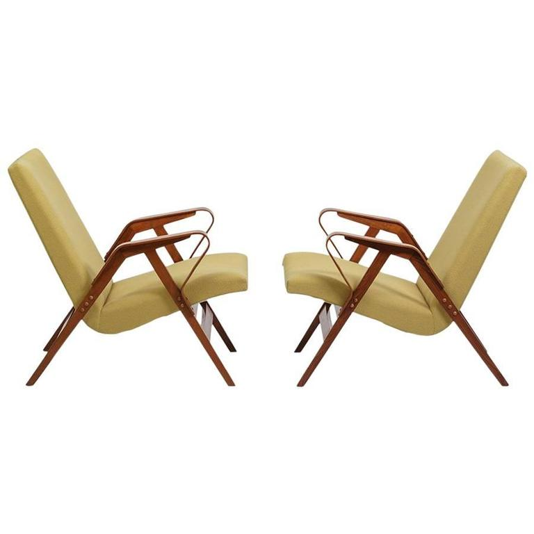 Czechoslovakian 1950s Pair of modernist Lounge Chairs produced by Tatra