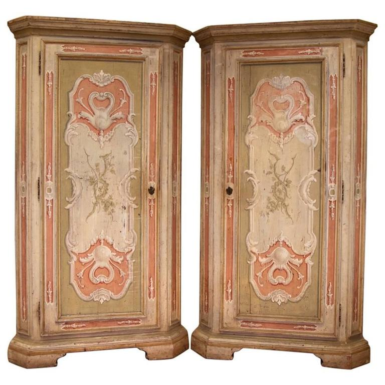 18th Century Pair of Italian Corner Cabinets