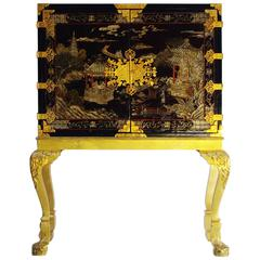 Chinese Style Lacquered Cabinet, England, End of the 19th Century