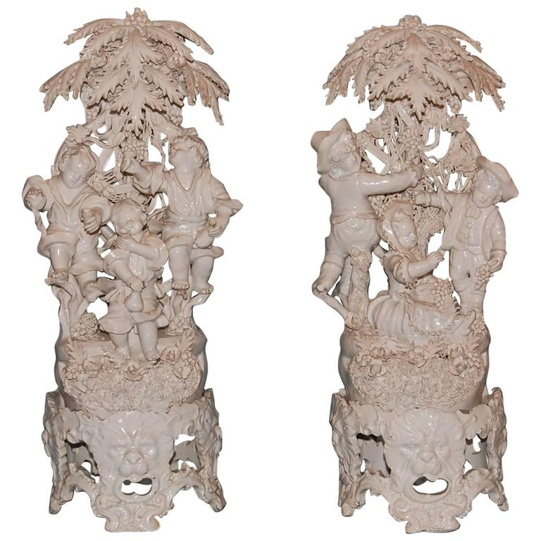 Pair of 19th Century Capodimonte Porcelain Figurines, circa 1830-1890 For Sale