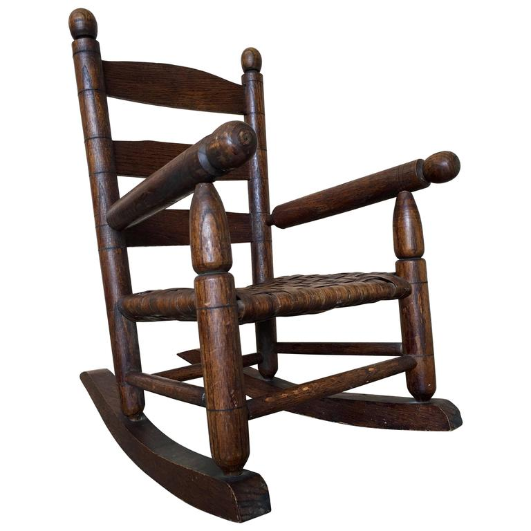 basket weave country childs rocking chair for sale at 1stdibs. Black Bedroom Furniture Sets. Home Design Ideas