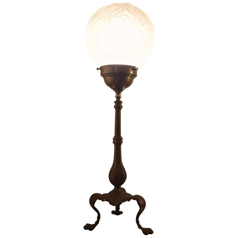 French art deco table lamp inbbronze and rose molded glass globe at 1stdibs - Deco table rose ...