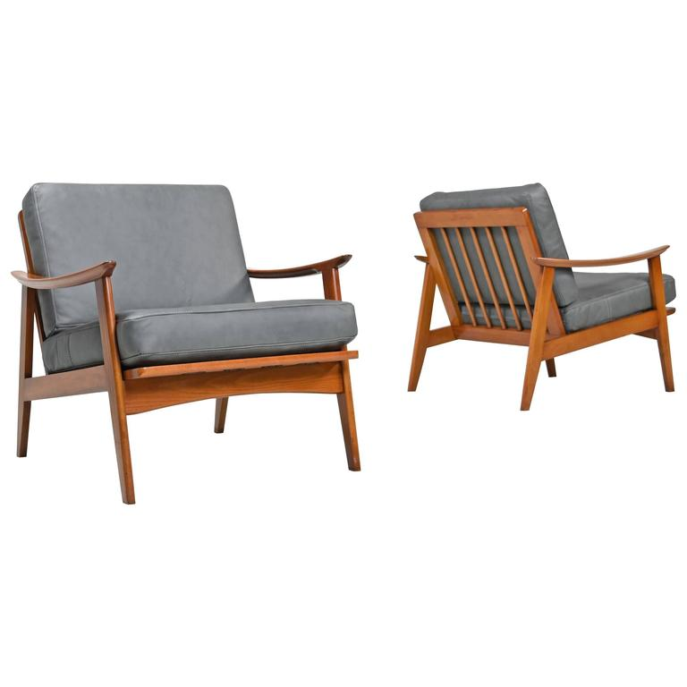 Merveilleux Gray Leather Danish Mid Century Modern Ash Wood Lounge Chairs , 1960s For  Sale