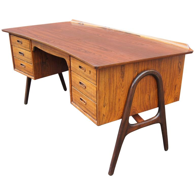 Rosewood Desk, Model SH 180, by Svend Aage Madsen for Sigurd Hansen
