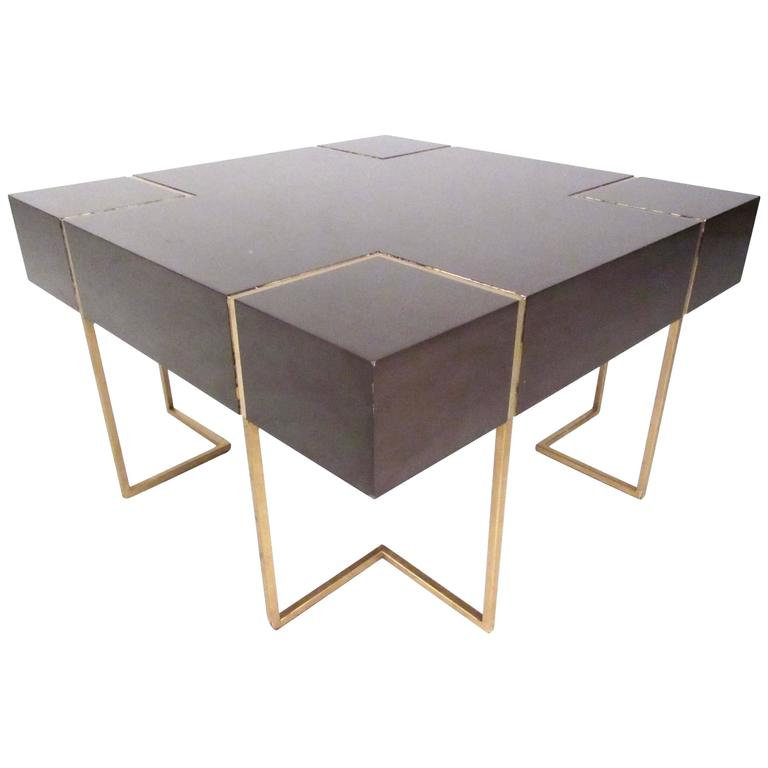 Mid century modern decorator coffee table for sale at 1stdibs for Modern coffee table for sale