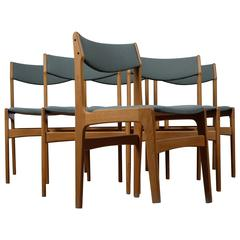 Set of Six Dining Chairs in Oak Designed in the 1970s