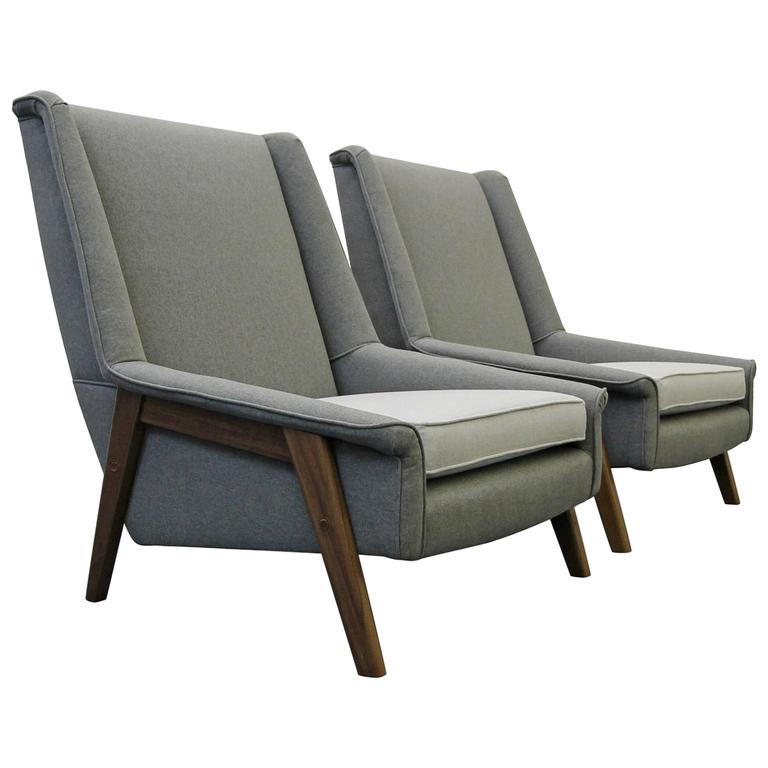 Pair of Mid-Century Lounge Chairs 1