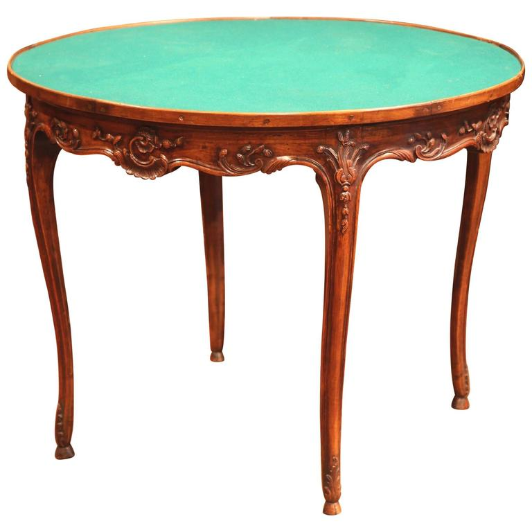 Early 20th Century French Louis XV Carved Walnut Round Game Table With Felt  For Sale