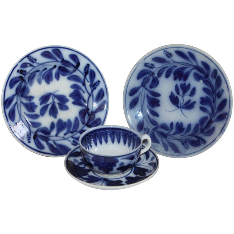 19th Century Spinach Leaf Flow Blue Spatter Ware