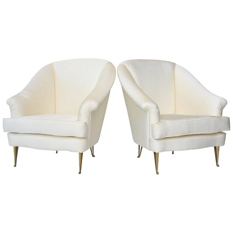 Pair of Italian Modern Club Chairs Made by Isa, Attributed to Gio Ponti, 1950s