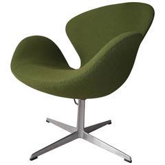 Vintage Arne Jacobsen Fritz Hansen Swan Chair