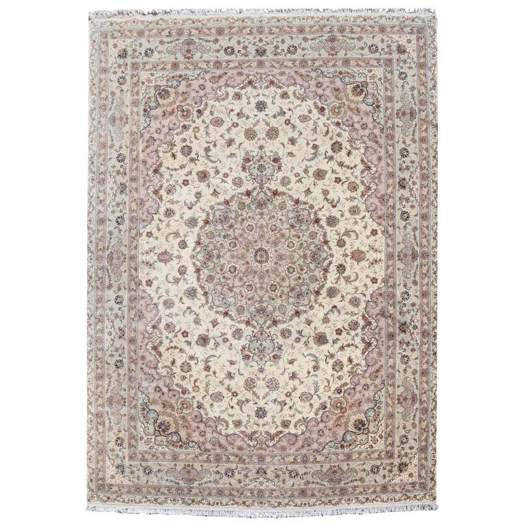 Kashan Persian Style Hand-Knotted Wool and Silk Rug