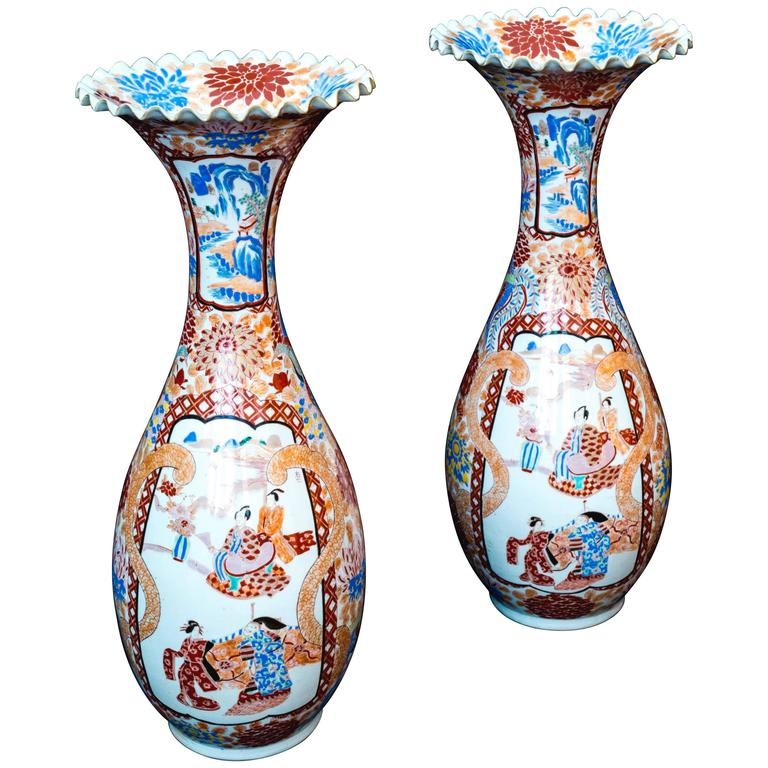 19th Century Japanese Meiji Period Pair Of Large 24 Inch Imari Vases