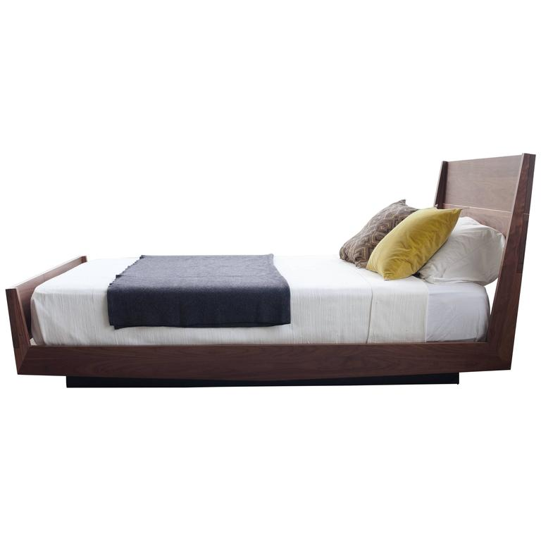 Ab5 Queen Size Contemporary Walnut Floating Platform Bed