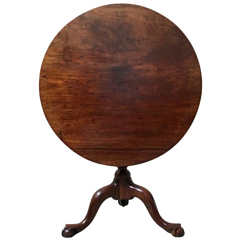 18th Century Chippendale Tilt-Top Table