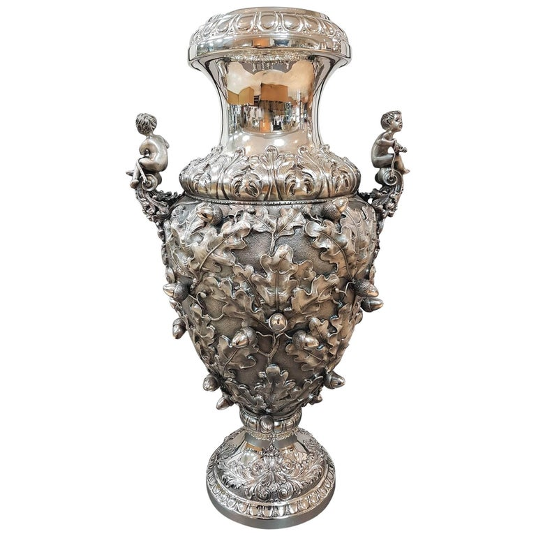 20th Century Italian Silver Oak Leaves Vase. Chiselled, embossed and burnished For Sale